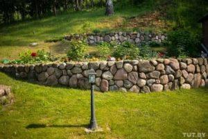 Подпорная стенка из камней
