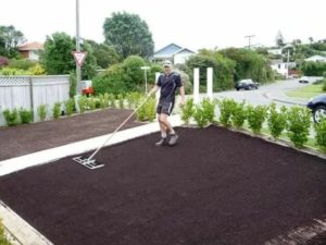 Подготовить почву под газон